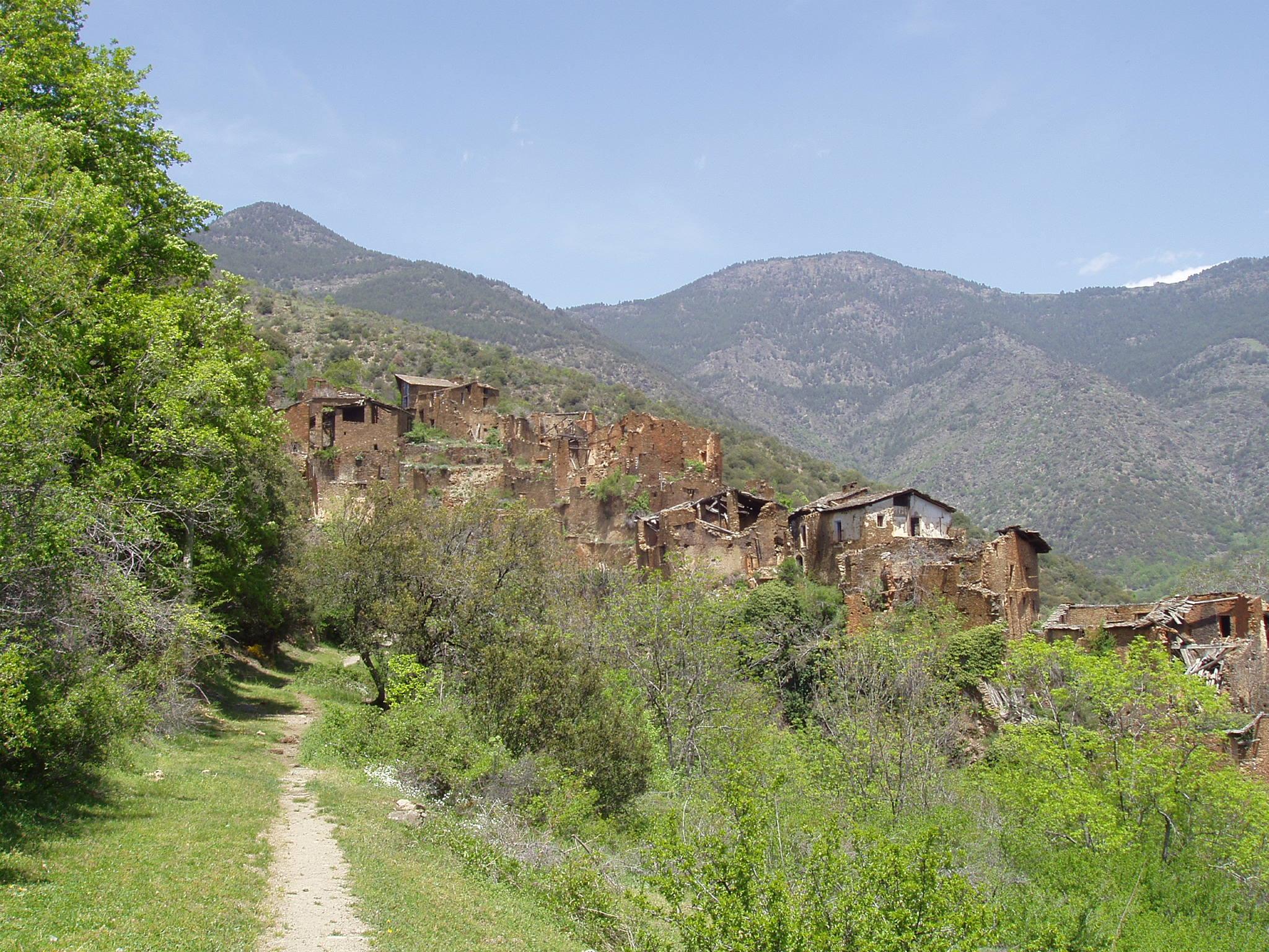 Solanell pueblo abandonado en el pirineo catalan blog - Casa en el pirineo ...