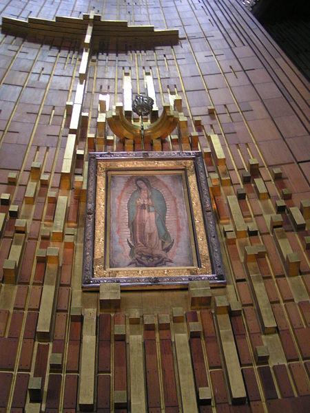 El Manto De La Fraudulenta Virgen De Guadalupe Esta Confeccionado