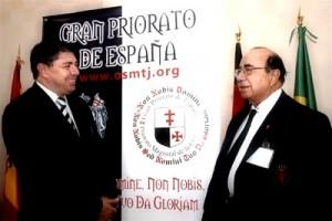 El Gran Prior, Pinto de Souza, a la derecha de la imagen